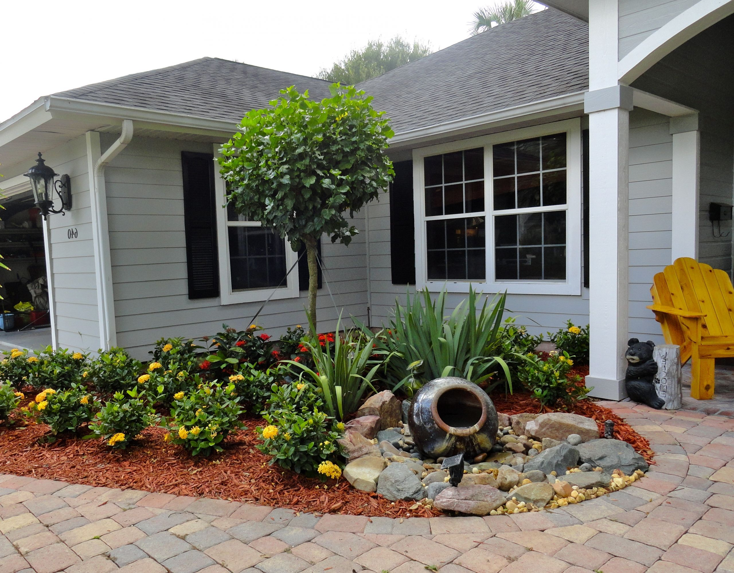Landscape Small Front Yards  Small Front Yard Landscaping Ideas Home Dignity