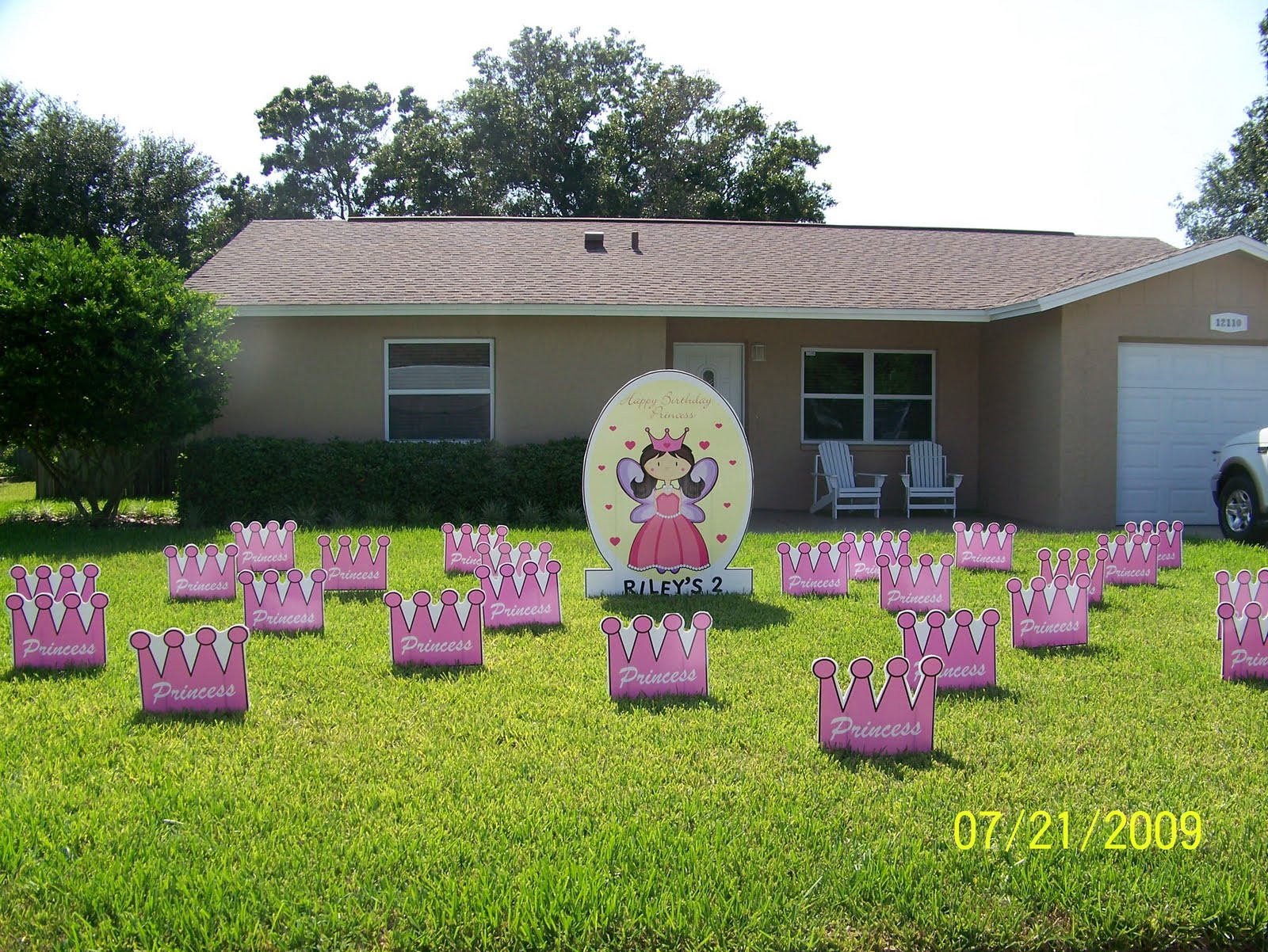 Lawn Decorations For Birthday  BIRTHDAY YARD FLOCKING & DECORATIONS TAMPA FL CALL