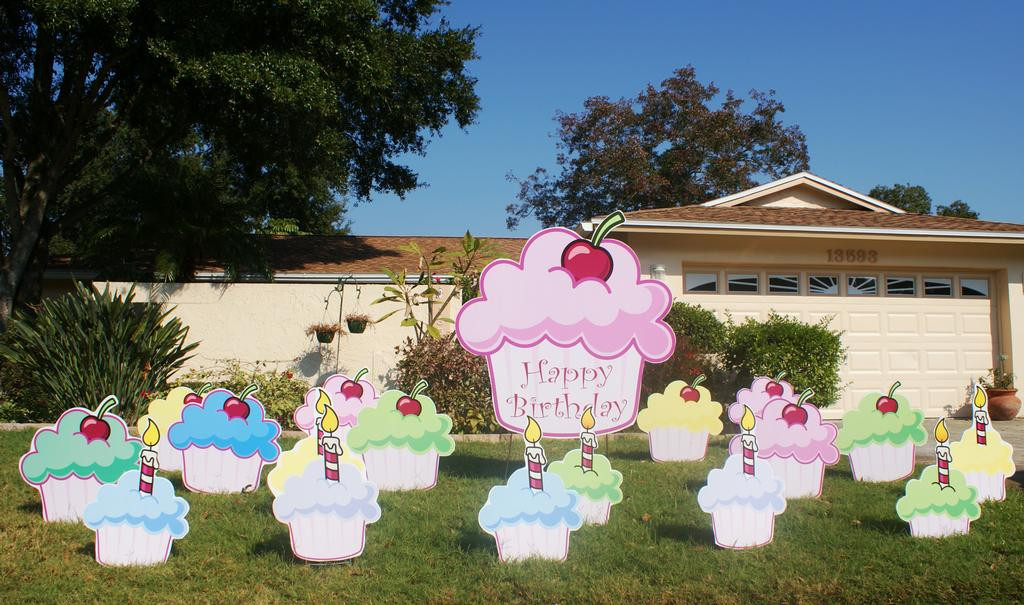 Lawn Decorations For Birthday  Flock n Surprise puts birthday lawn decorations in Florida