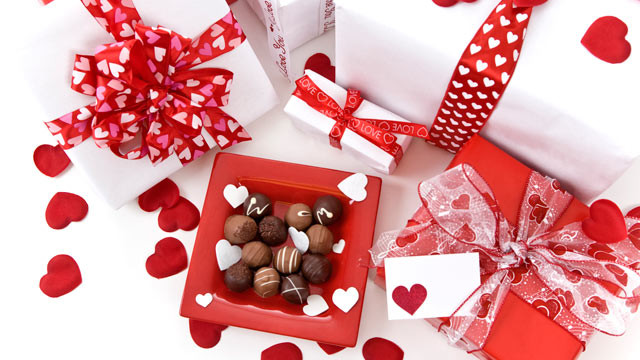 Online Valentine Gift Ideas  Valentine s Day Gift Guide For New Flings and Longtime