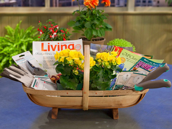 Outdoor Gift Basket Ideas  Do it Yourself Gift Basket Ideas for All Occasions