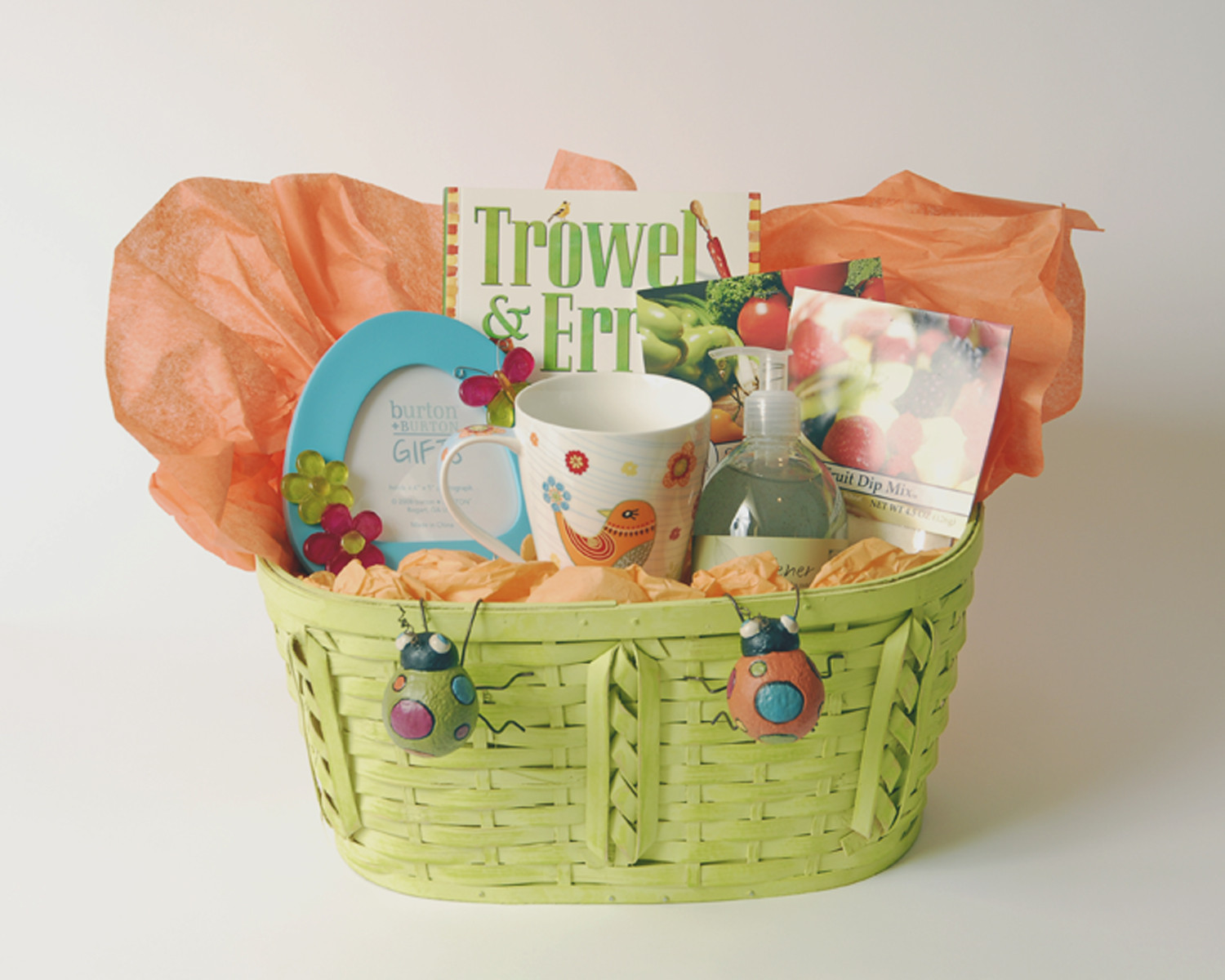 Outdoor Gift Basket Ideas  Thoughtful Presence 5 Great Gift Basket Ideas For Women