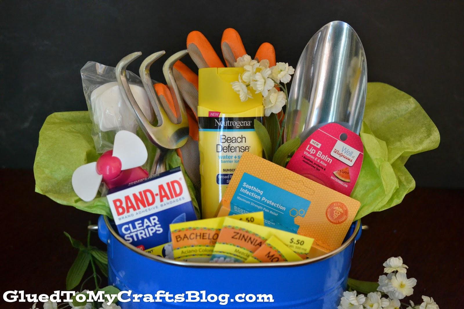Outdoor Gift Basket Ideas  Celebrate The Gardener In Your Life Gift Basket Idea