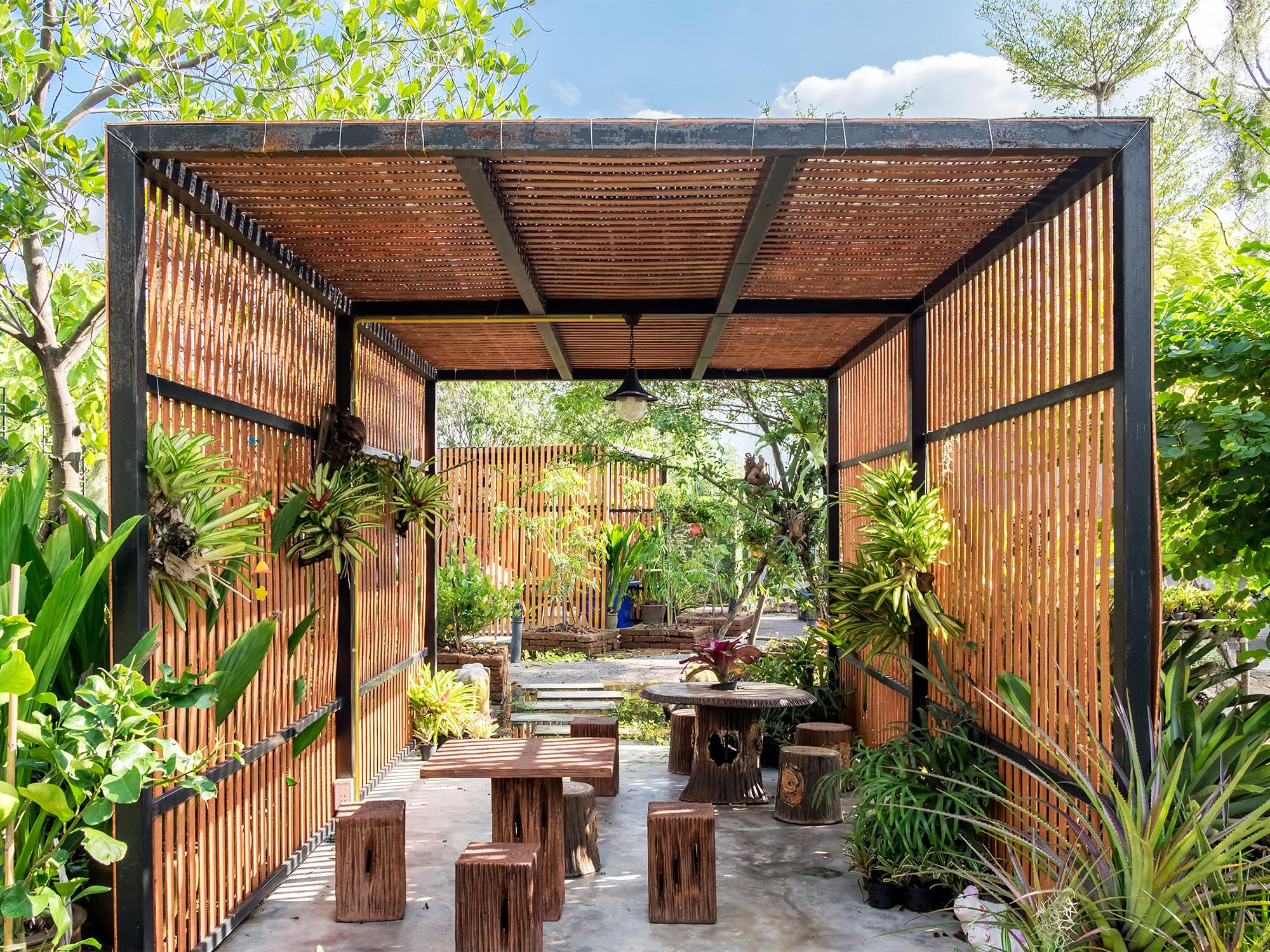 Outdoor Landscape Tropical  Tropical Garden Design Ideas To Inspire Your Outdoor Space
