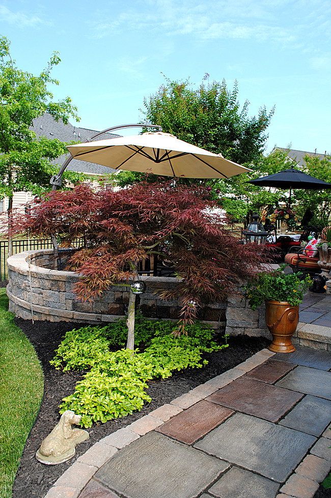 Outdoor Landscaping Ideas  8 Great Ideas for Backyard Landscaping The Graphics Fairy