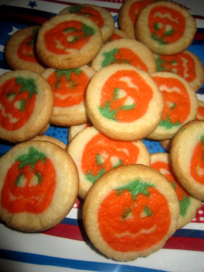 Pillsbury Halloween Sugar Cookies  The Holidaze Pillsbury Halloween Cookies