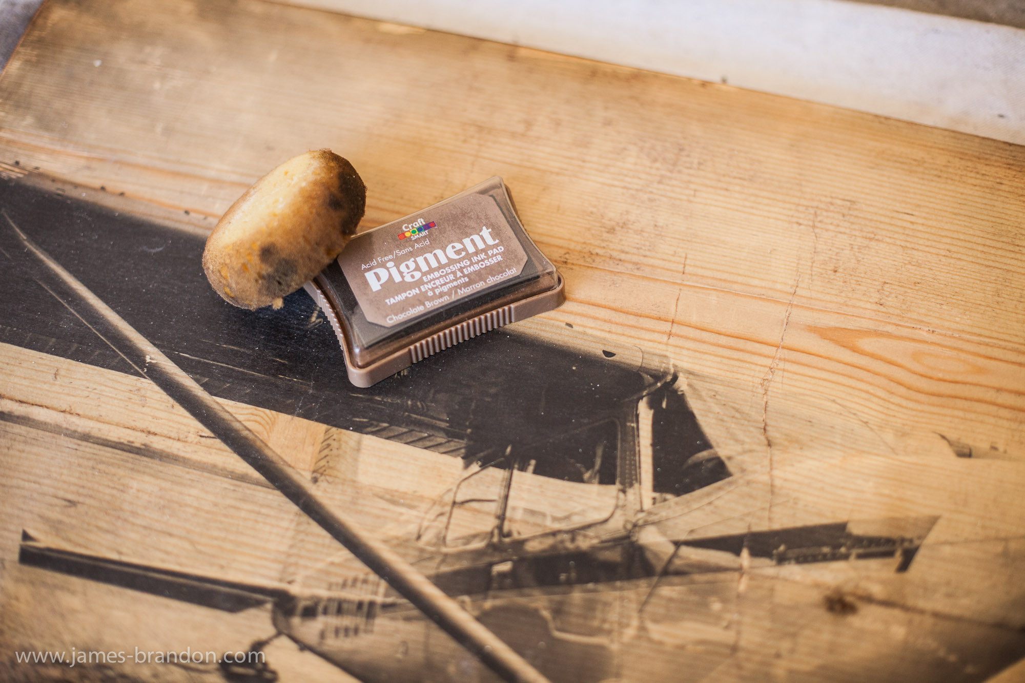 Prints On Wood DIY  How To Transfer Prints To Wood An Awesome graphy DIY