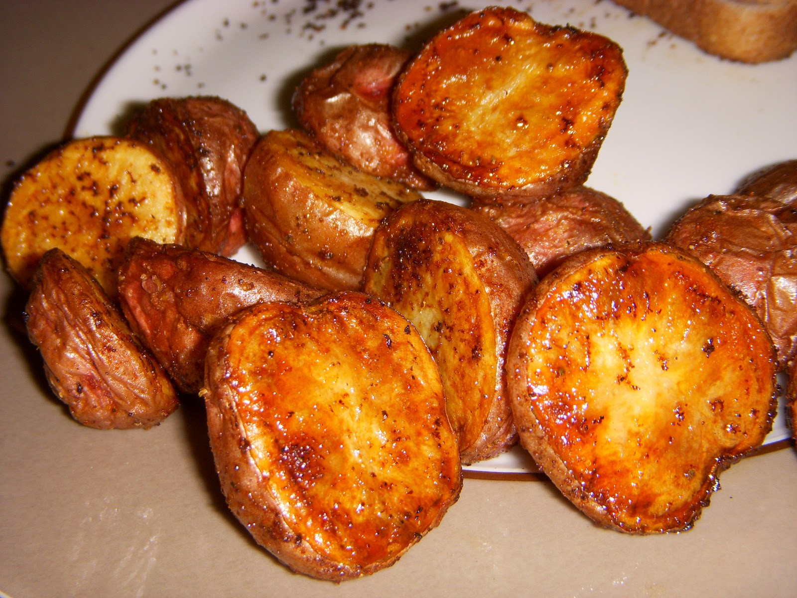 Roasted Baby Gold Potatoes  What s Sara Cookin oven roasted baby red or yukon gold
