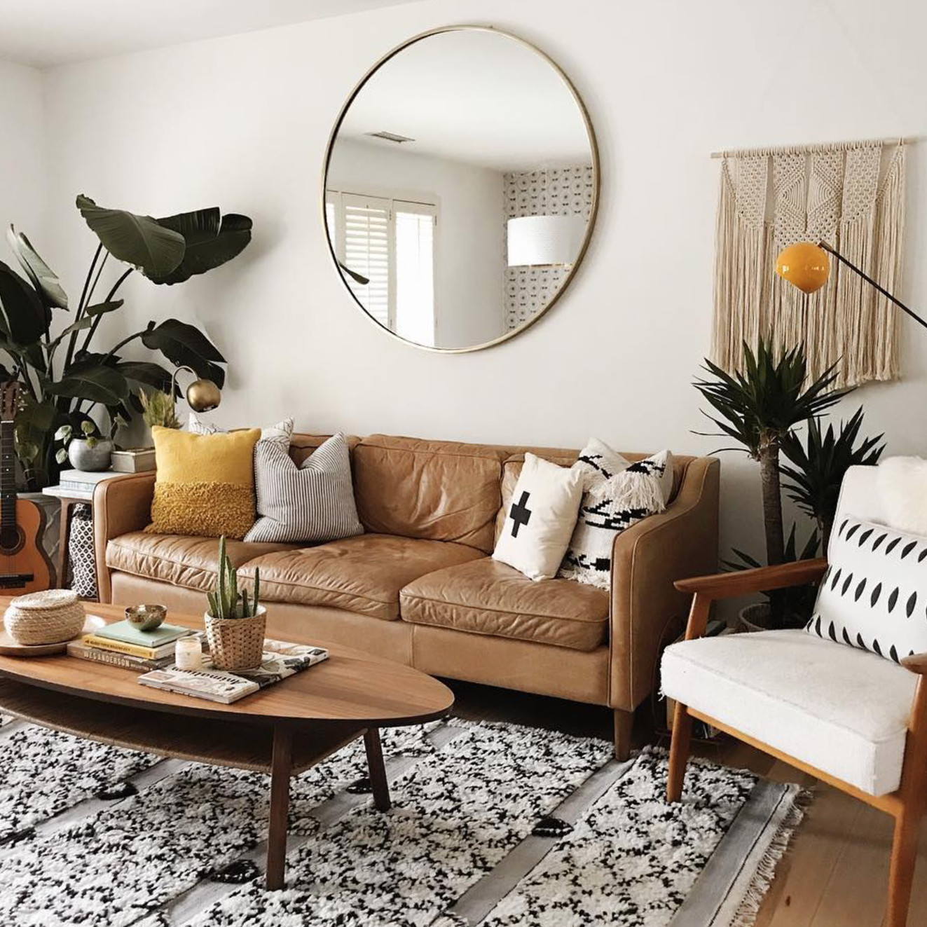 Small Living Room Decor Ideas  7 Apartment Decorating and Small Living Room Ideas
