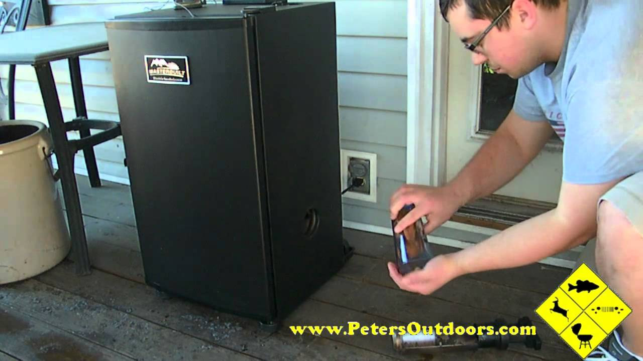 Smoking Whole Chicken In Masterbuilt Electric Smoker  Smoked Chicken on the Masterbuilt Smoker