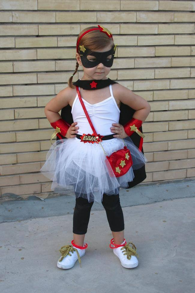 Superhero Costume DIY  20 Homemade Superhero Costumes [free patterns] – Tip Junkie