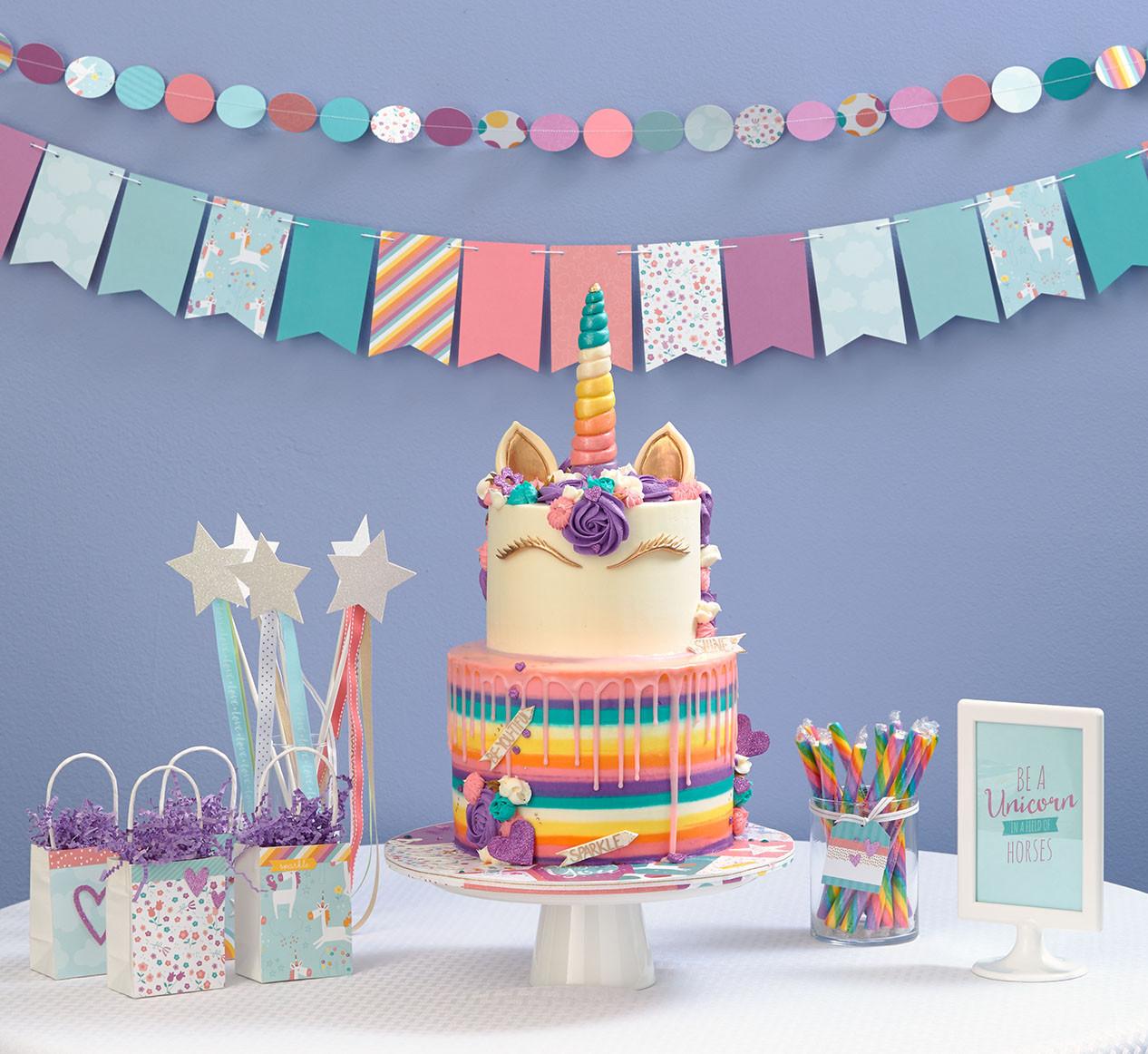 Unicorn Party Centerpiece Ideas  This Unicorn Party Takes the Cake