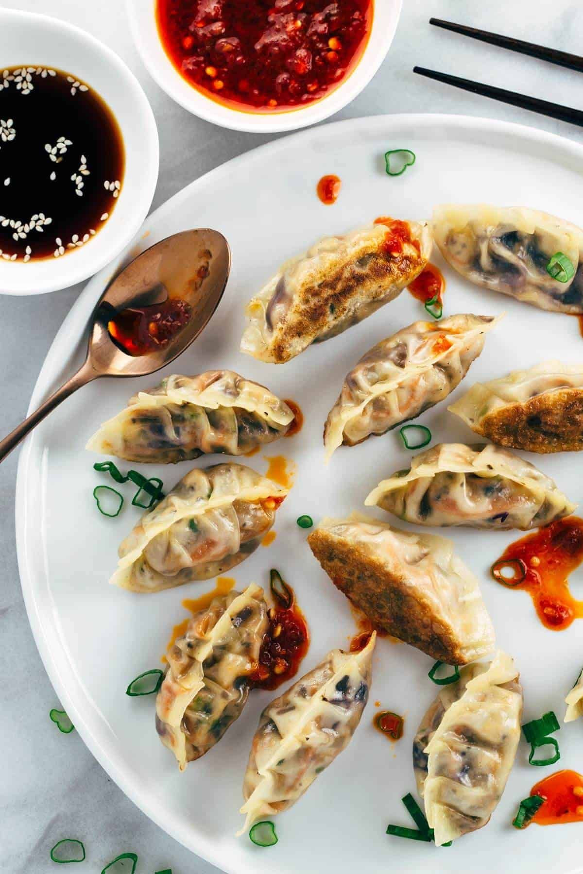 Vegetarian Chinese Dumplings Recipe  Crispy Ve able Tofu Dumplings Recipe