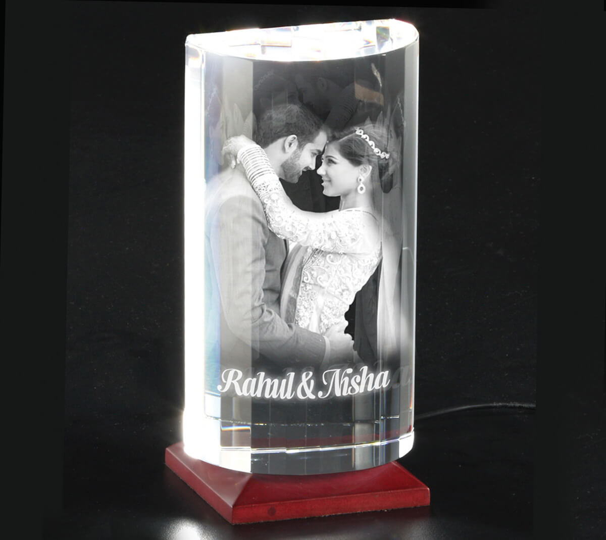 Wedding Anniversary Gift Ideas For Wife  15 First Anniversary Gift Ideas For Wife To Impress Her