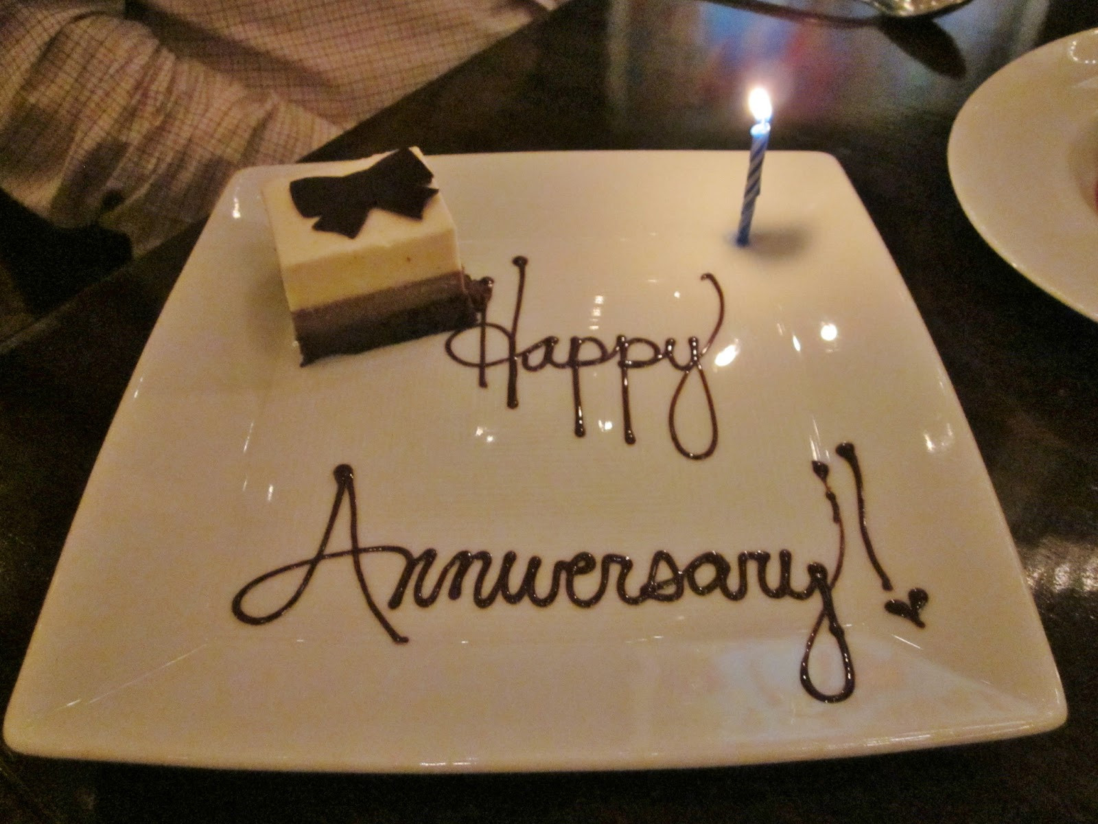 Wedding Anniversary Gift Ideas For Wife  What To Gift Your Wife Your First Anniversary