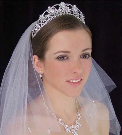 Wedding Veil With Tiara  Beautiful Wedding Tiaras with Veils – Sang Maestro