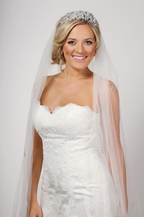 Wedding Veil With Tiara  Latest Stylish Wedding Tiara and veil 2019