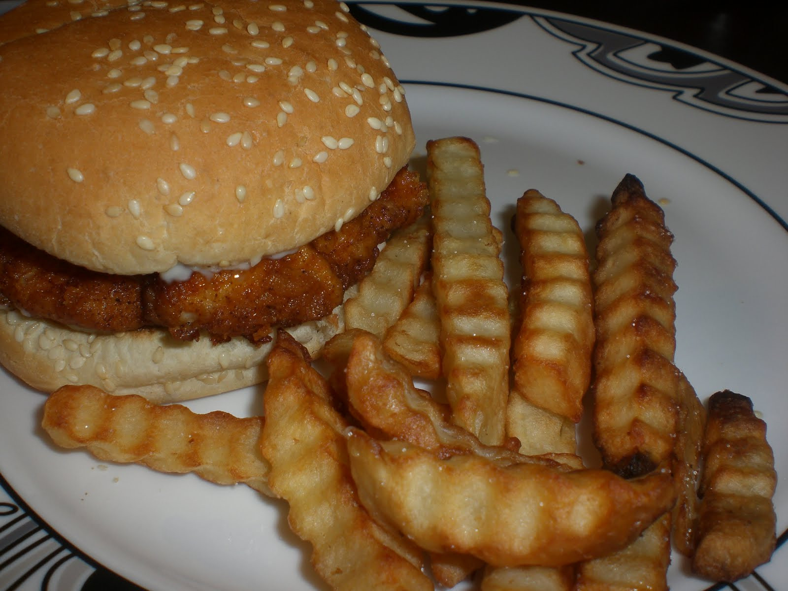 Wendys Chicken Sandwiches  Homemakin and Decoratin Spicy Chicken Sandwich