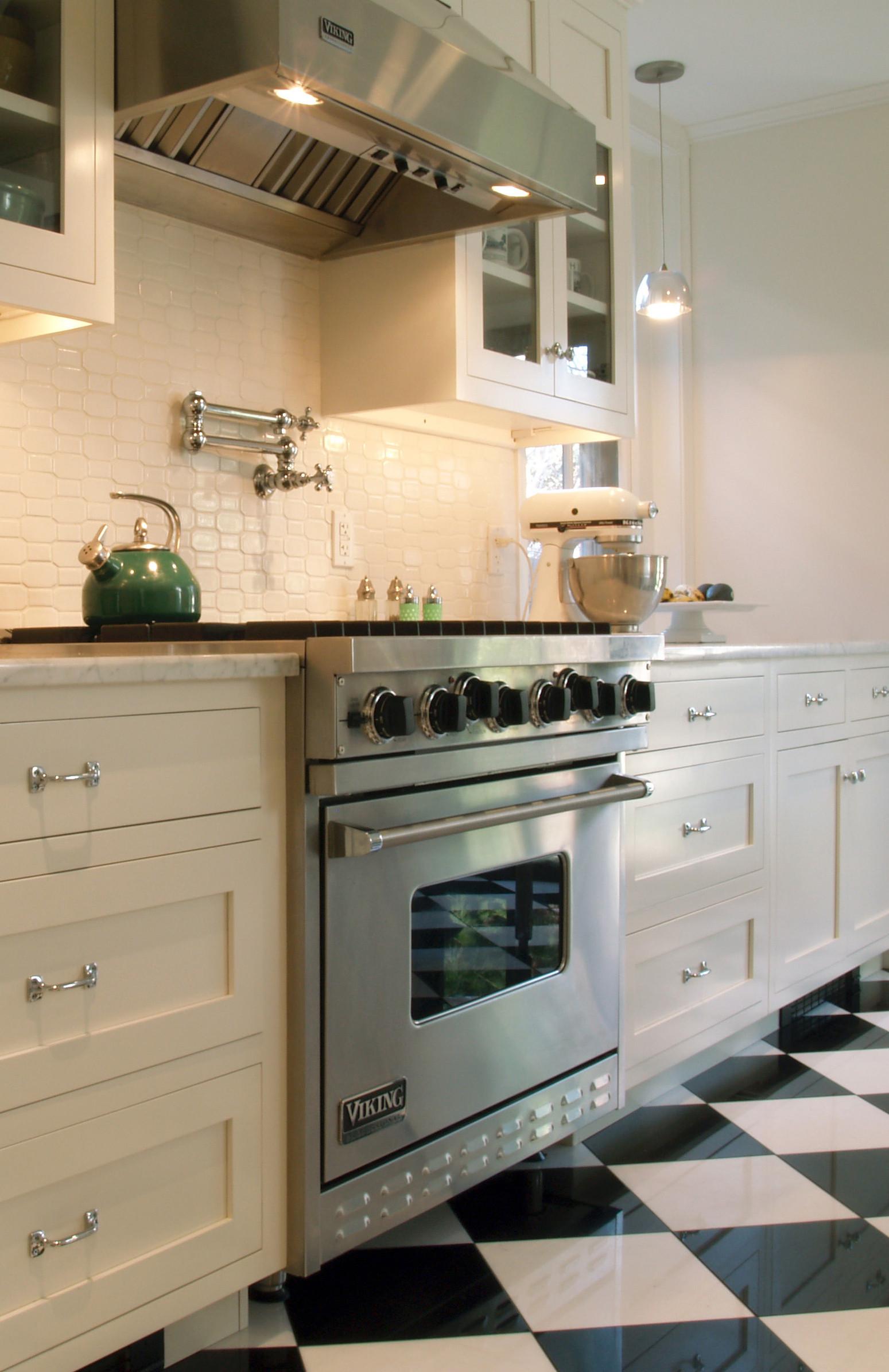 White Tile Kitchen Backsplash  Spice Up Your Kitchen Tile Backsplash Ideas