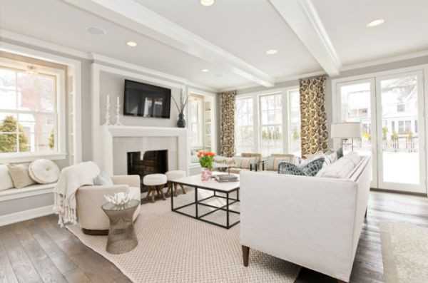 White Walls Living Room  Sparkling white walls that can make a room shine and stand out