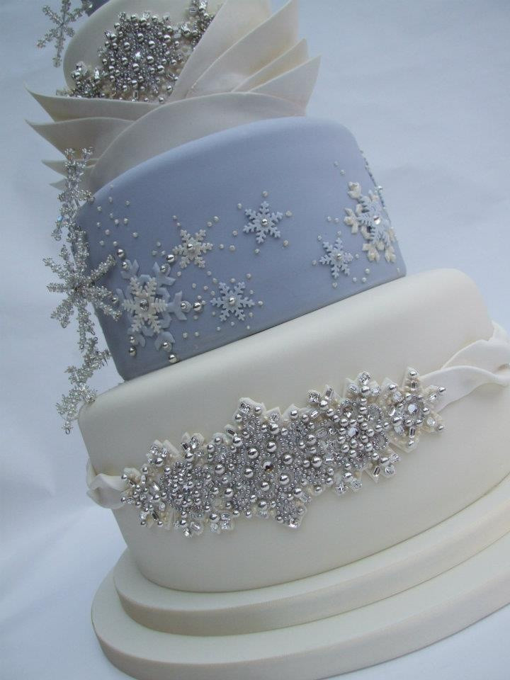 Winter Themed Wedding Cakes  304 best White f White Wedding Cakes images on Pinterest