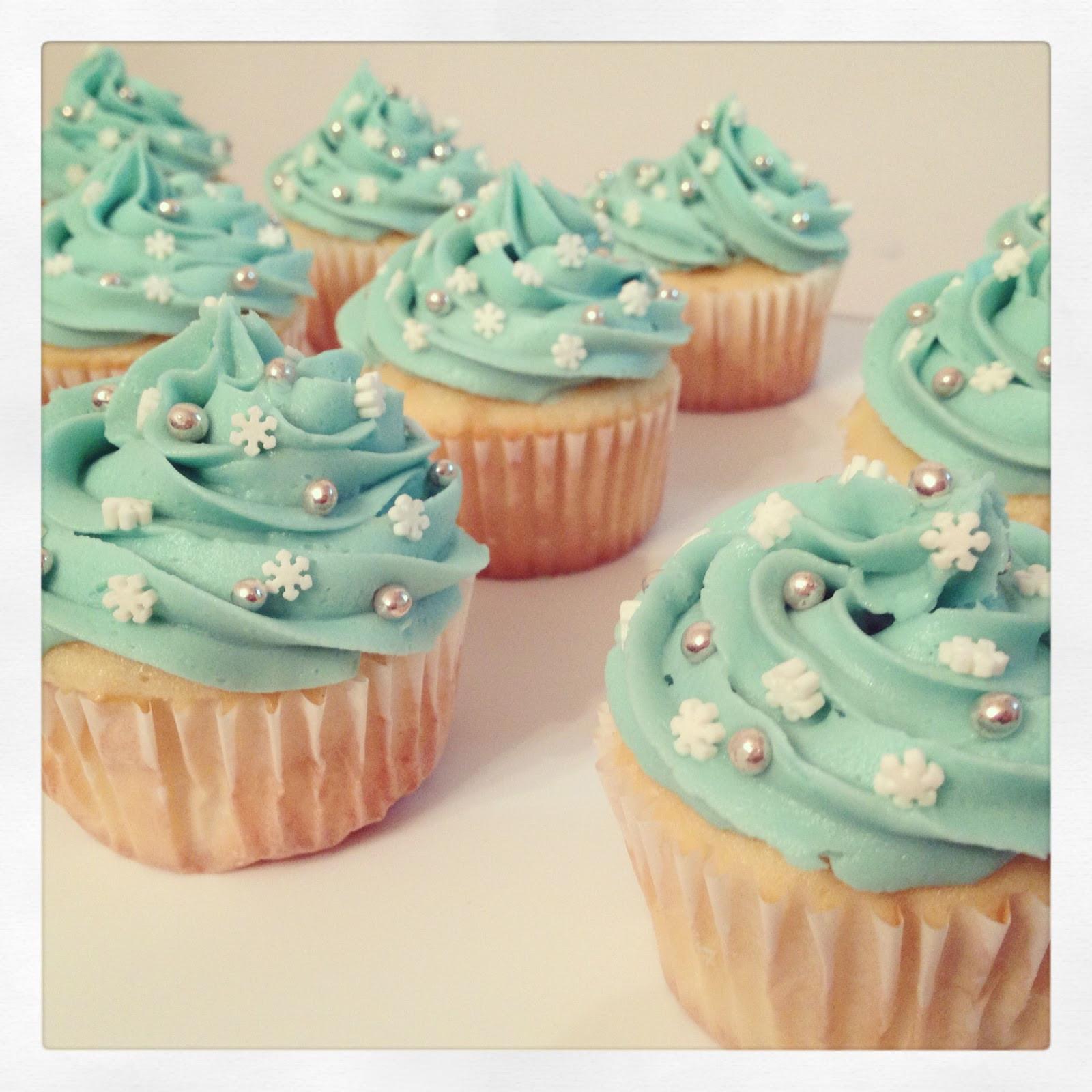 Winter Wonderland Cupcakes  Everything Candace Winter Wonderland Cupcakes