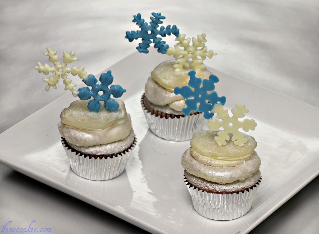 Winter Wonderland Cupcakes  Winter Wonderland Cupcakes Happy Christmukkah